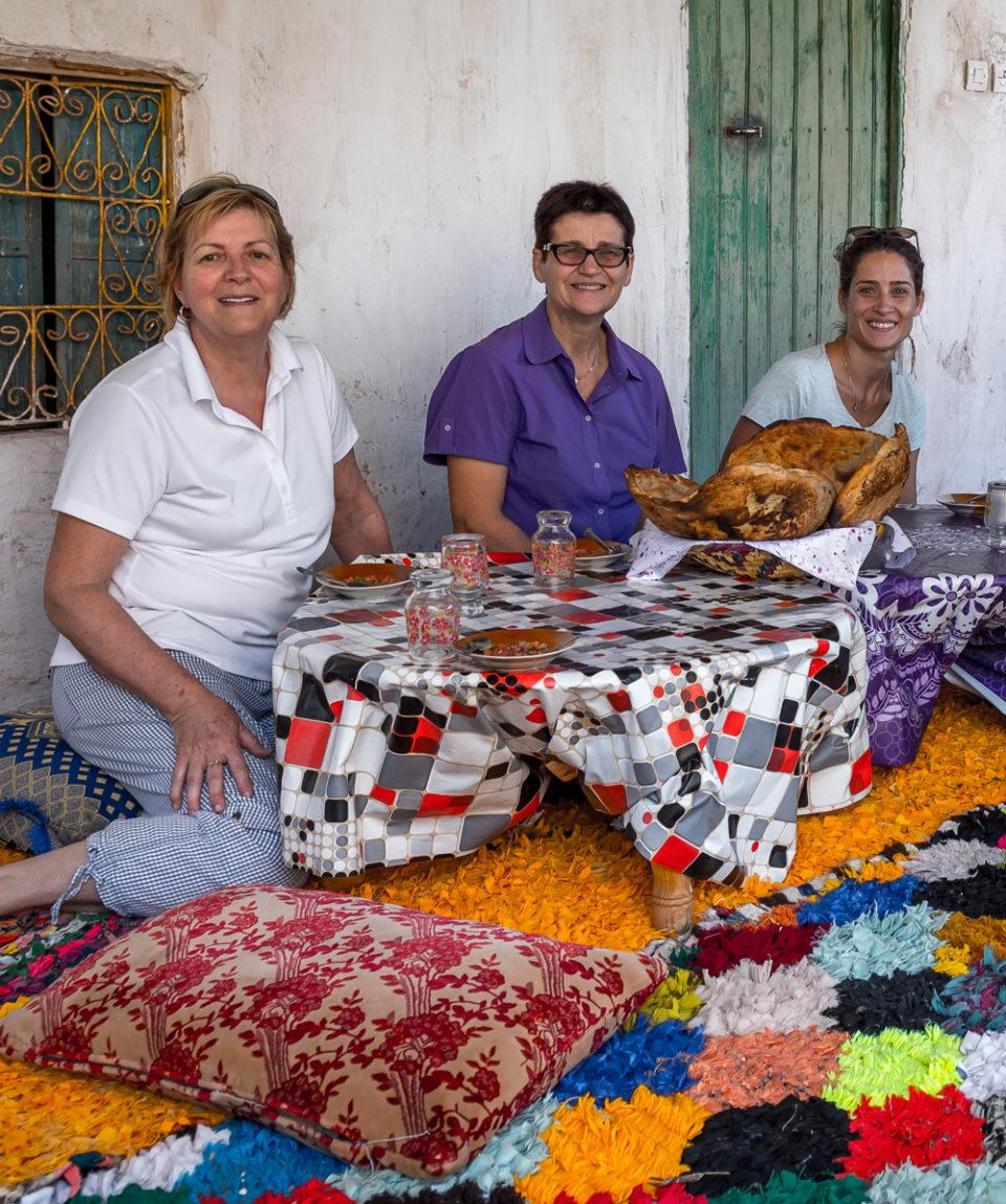 FAMILLE-PIQUE-NIQUE-LOULOU-SUZANNE